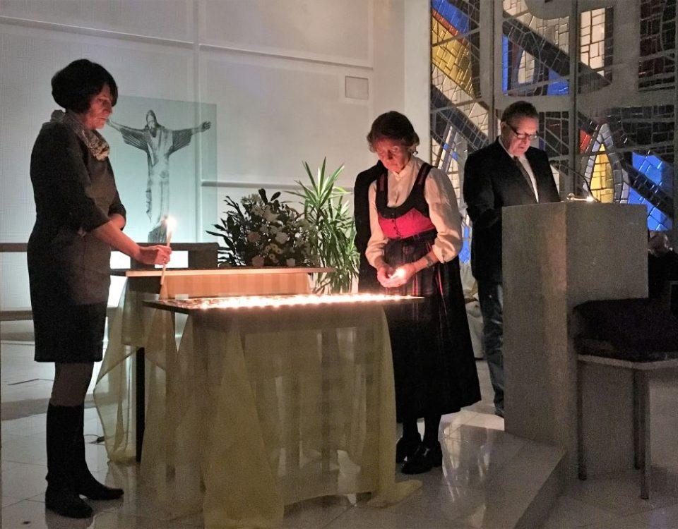 Das Kerzenritual bei der Hospiz Gedenkfeier 2017