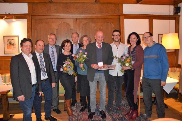 Dr. Wiesmayr erhält das goldene Verdienstzeichen der Stadt Vöcklabruck
